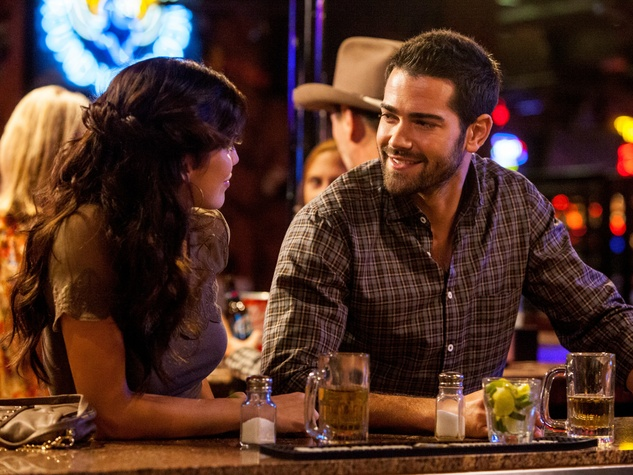 Annalynee McCord and Jesse Metcalfe in season 3 of Dallas