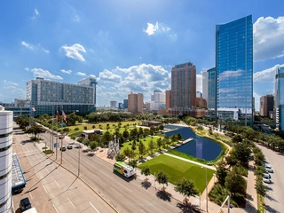Discovery Green, George R. Brown Convention Center, Hilton, skyline, December 2012
