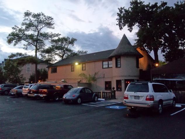 Izakaya-Wa Houston Japanese restaurant in Memorial area October 2013 exterior at night
