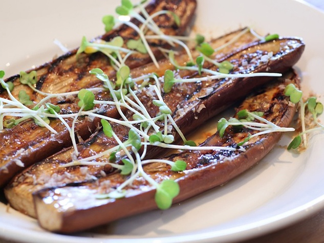 Dee Lincoln's Steak & Burger Bar, miso eggplant