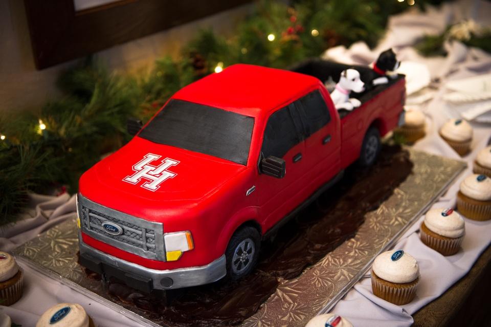 Meredith wedding March 2014 groom's cake