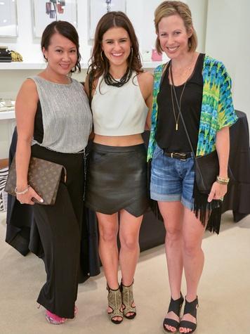 Kimberly Vilayvanh, Ellen Flowers, Allison Edwards, TOOTSIES top blogger