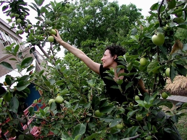 Jodie and apple tree in Houston