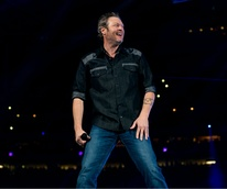 Blake Shelton big smile