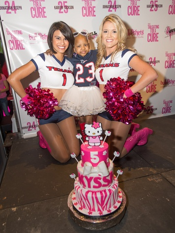 Tailgating for a Cure hosted by Houston Texans Johnathan Joseph and Kareem Jackson October 2013 Texans cheerleaders with Kyssi Andrews