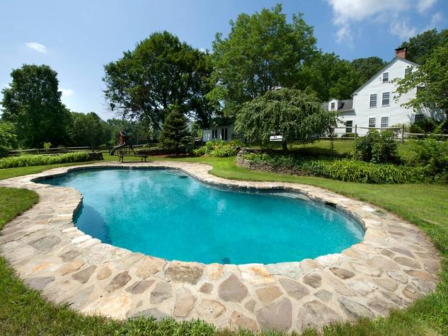 On the Market Renee Zellweger 1774 house in Connecticut September 2014 pool