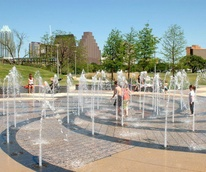 Butler Park splash pad downtown Austin skyline