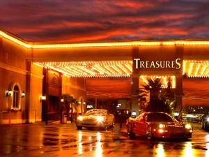News_Treasures_strip club_Houston