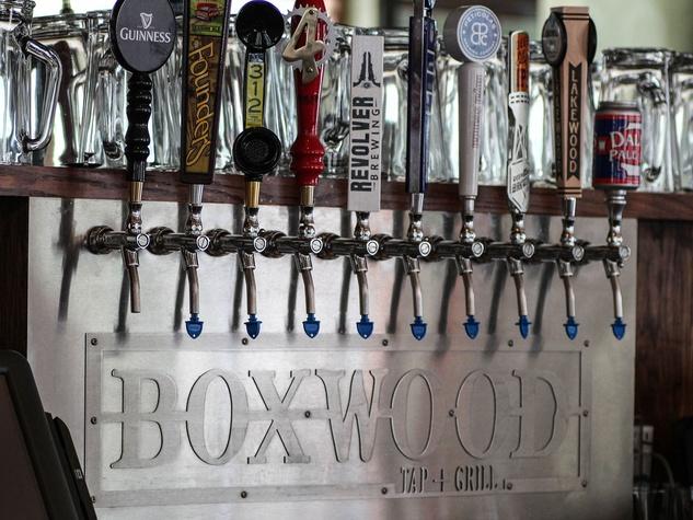 Boxwood Tap+Grill in Dallas