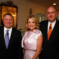 1 Brad and Melissa Juneau, from left, and Dr. Charles Fraser at Fraser's Friends dinner