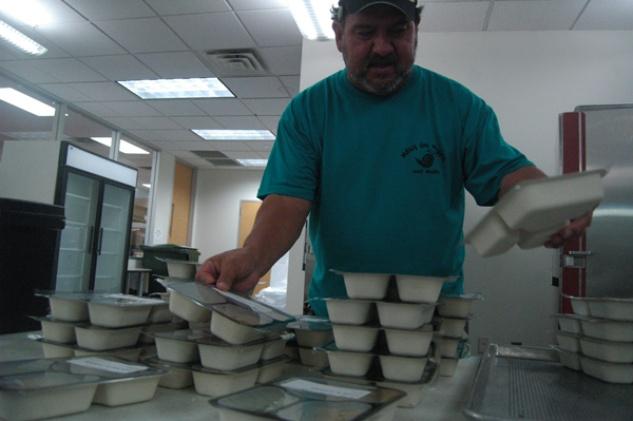 Austin Photo Set: News_Kerri Lendo_Meals on wheels_Dec 2011_meals