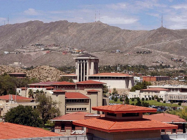 The University of Texas at El Paso, campus, mountains