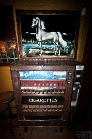 Austin Photo Set: News_Arden_white horse_bar_Dec 2011_4