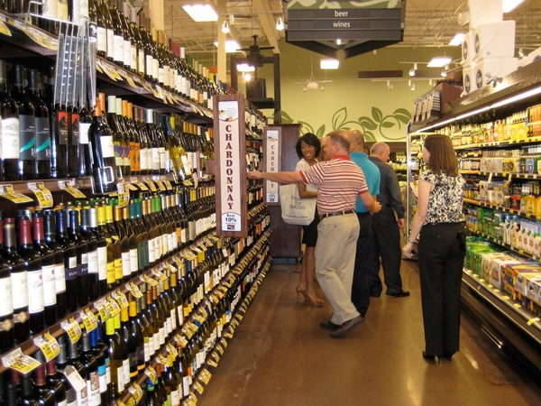 News_Disco Kroger_open house_wine_beer_aisle