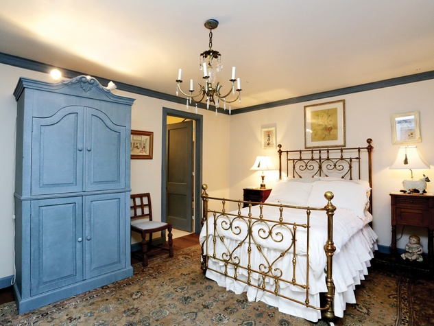 On the Market 7 Winston Woods July 2014 last bedroom THIS.jpg