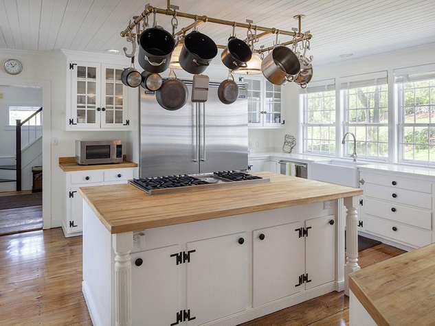 On the Market Renee Zellweger 1774 house in Connecticut September 2014 kitchen