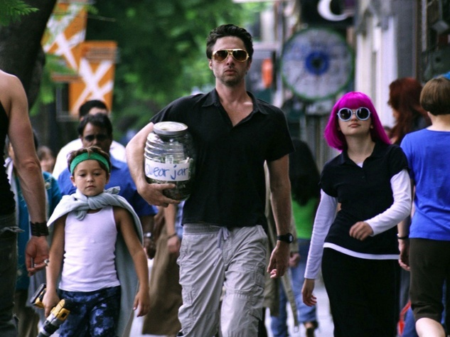 Pierce Gagnon, Zach Braff and Joey King in Wish I Was Here