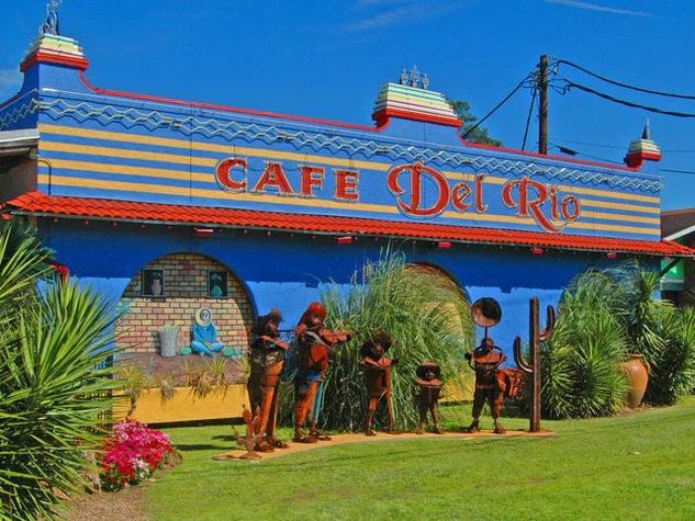 Exterior of Cafe del Rio in Lufkin