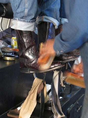 13, RodeoHouston, Larry White, boot shiner
