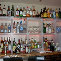 Places_Drinks_The Flat_bar_liquor