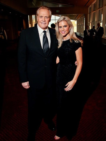 Lee and Faith Majors at Bering Omega's Sing for Hope