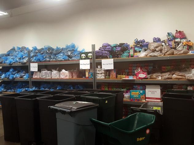 Houston, Interfaith Ministries aniMeals, December 2015, donated pet food