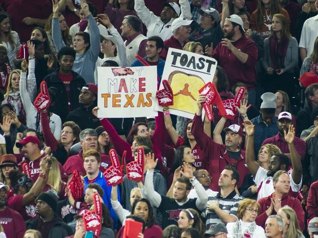 Arkansas fans Texas Bowl