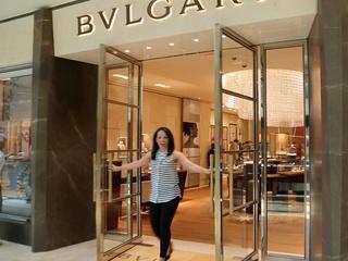 Nicole Hickl Bulgari store The Galleria