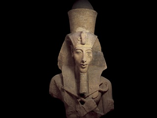 Tut_Media_Preview_Colassal_Statue_of_Akhenaten