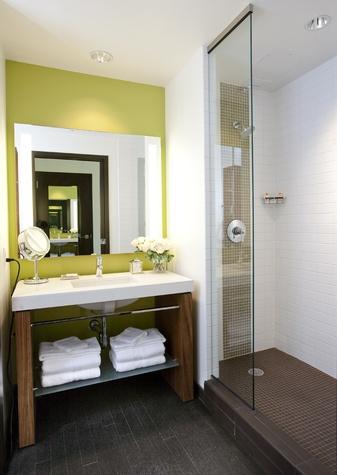 Hotel Sorella, guestroom, bath