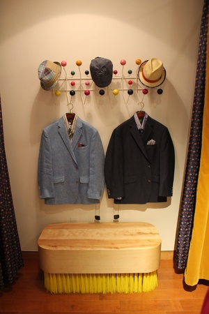 News_Robert Graham Store_Brush Bench_May 2012