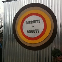 Austin Photo: Place_Food_biscuits_and_groovy_exterior
