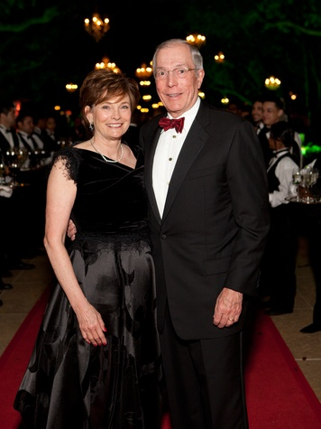 5 Bobbie and John Nau at Gala on the Green February 2014