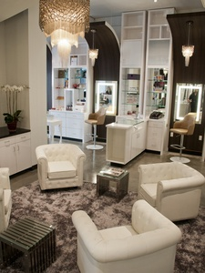 Vanity Lounge, Edward Sanchez, salon