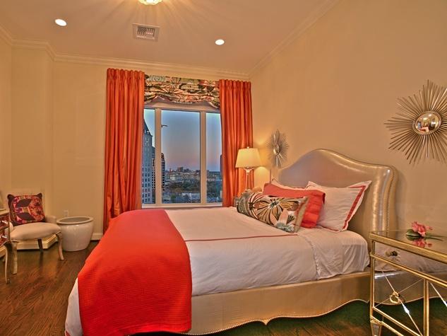 Guest room at 2525 N. Pearl #1102B