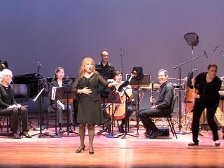 News_Karol Bennett_performing