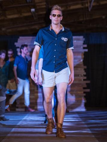 Essential Oliver Fashion Show in Austin 3488