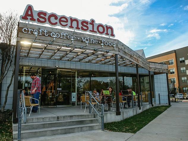 Patio at Ascension in Dallas Design District