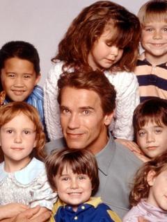 Arnold Schwarzenegger in Kindergarten Cop with kids