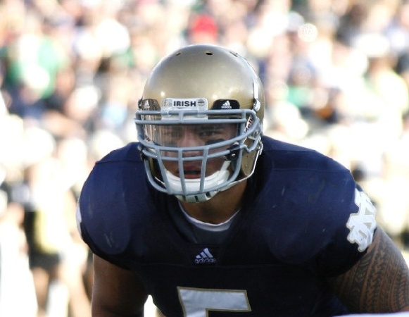 Austin Photo Set: News_Trey_heisman trophy_games of the week_dec 2012_Manti Te'o