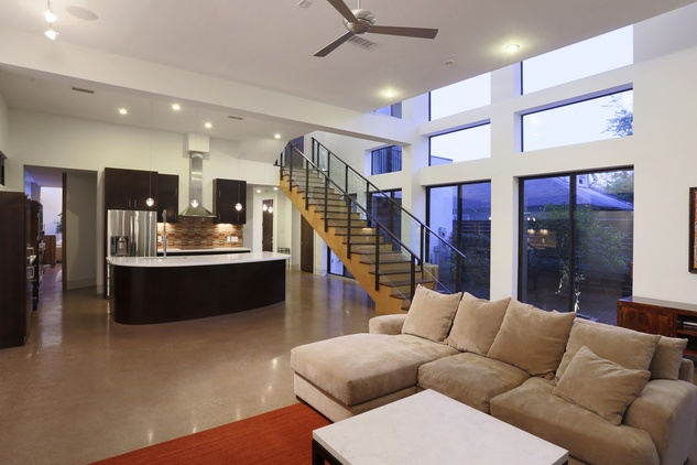 8 On the Market 734 E. 8th St. Houston Heights March 2015