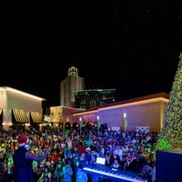 Memorial City presents Music, Movies and Snowfall Throughout the Holiday Season