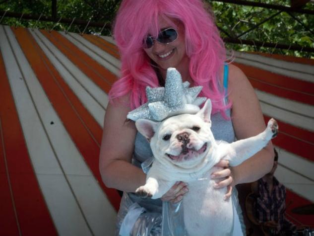 Austin Photo Set: News_Easter dog parade_april 2012_13
