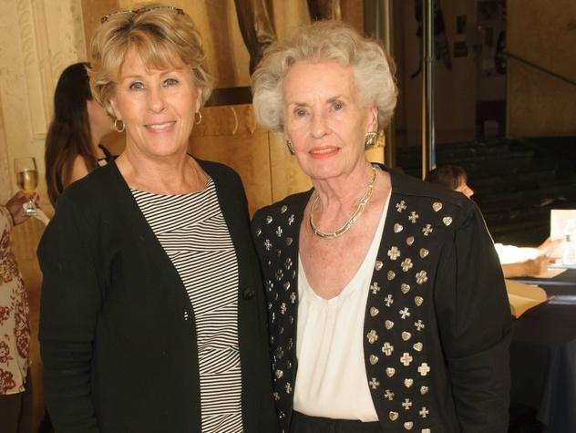 Laurie Walker Hunt, Norma Walker, Texas Sports Legends