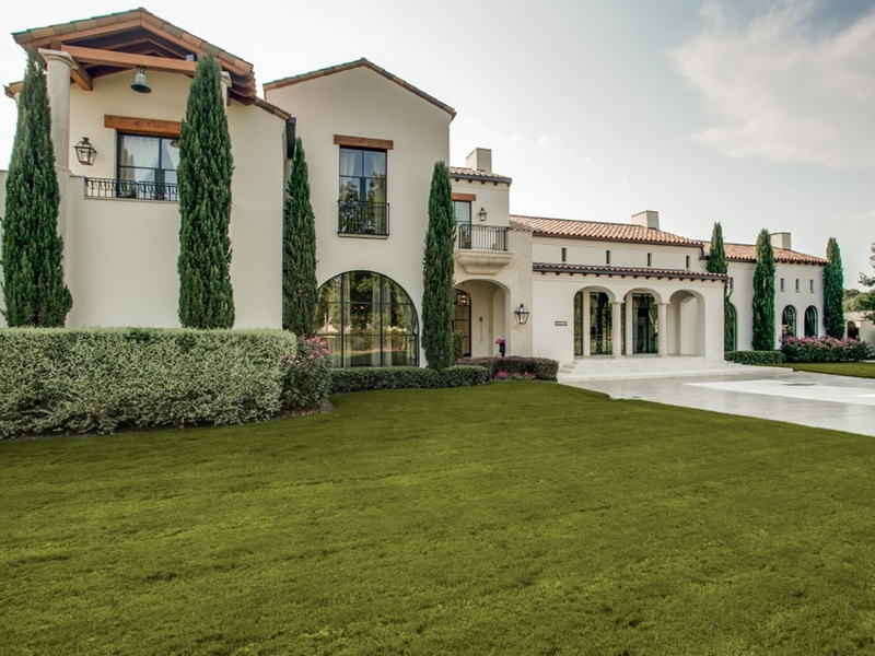 Slideshow luxurious spanish style preston hollow manor for Spanish style homes for sale in dallas tx