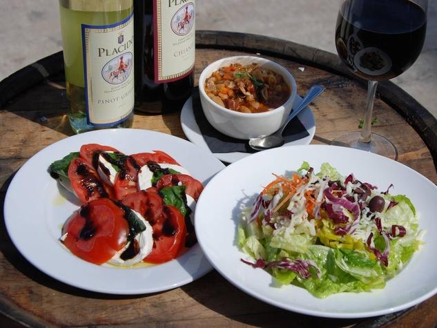 Bravissimo Houston salad tomatoes wine April 2015