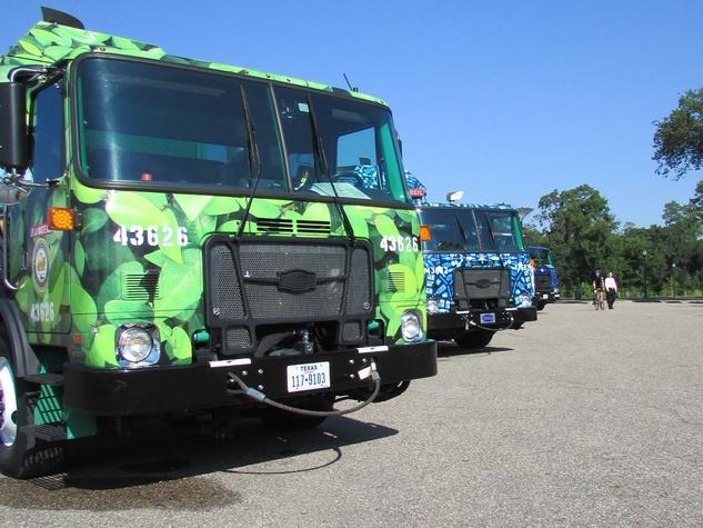 1 art recycling trucks August 2014