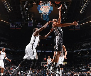 San Antonio Spurs dunk