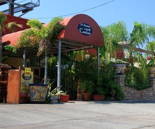 Places-Drinks-1308 Cantina-exterior-1