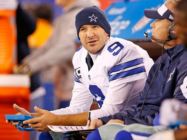 Tony Romo on sideline